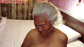 HelloGrannY Letin Chicks of Really Old Age