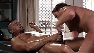 Thick babe sucking masseur before sex on table