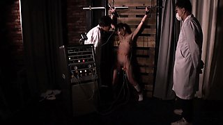 Skinny Japanese girl with tiny tits is introduced to bondage