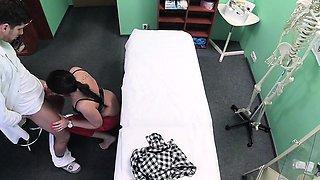 Fake Hospital Doctor prescribes sticky facial