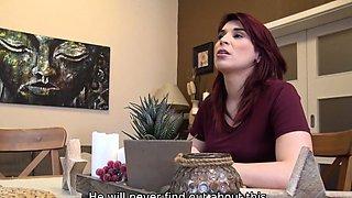 DEBT4k. Pregnant Jessica Red needs money for