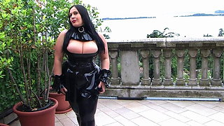 Schokomaus - The Black Latex Devil 2