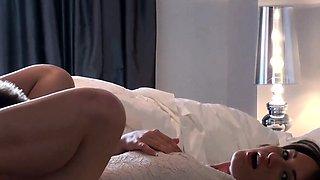 Bikini girlfriend assfucks after masturbating