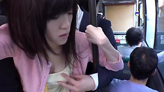 Ricas y Tetonas Japonesas Cogidas En El Bus