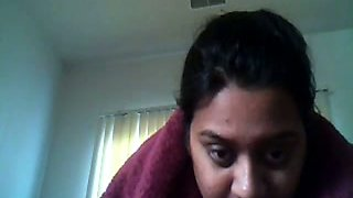 Livecam video chat with Indian aunty flashes her big tits