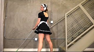 Bodacious young maid puts her magnificent ass on display
