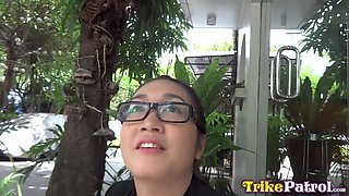 Nerdy Filipina girl fucks and swallows cum on first meeting