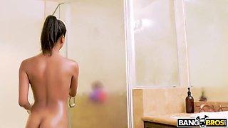 Nia Nacci And 18 Years Old In Raunchy Ebony 18-year-old Is Had Intercourse Deep