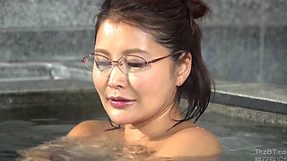 First Met In Mixed Onsen Spa 2