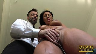 Slut Candi Kayne places her huge spanked ass on a throbbing rod