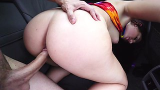 Parked car sex with a leggy girl that loves big cock