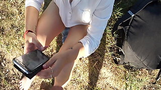 Teen loves to watch stranger's cock in public park