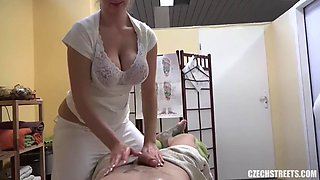 Masseuse With Big Natural Tits Cash For Sex