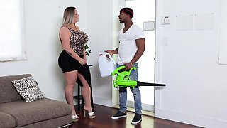 Maintenance Man Fucked Pawg MILF And Busty Teen