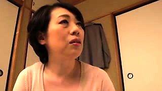 Here is amazing amateur video of Mature asian mastubating