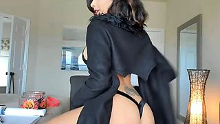 Sensuous brunette camgirl in sexy lingerie flaunts her body