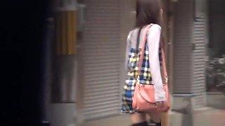 Asian Babes Caught Peeing