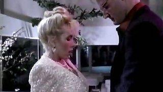 Hypnotic power helping to seduce women of 80s porn