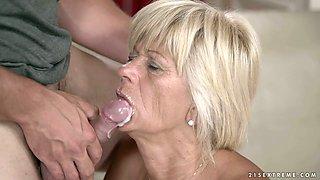 Mature slut Diane Sheperd gets fed with cum after a steamy fuck