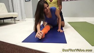flexi sex workout with cute Lucy Doll