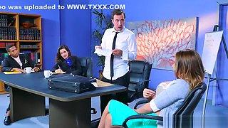 Juelz Ventura gets some office dick - Brazzers