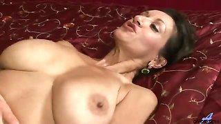 Desirable bigtit cougar Persia Monir takes a hardcore load