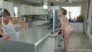 Lena Paul wants to fuck a new cock